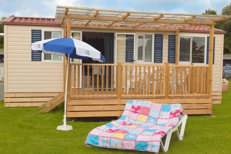 Mobilehome Excellent - houten veranda