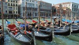 De gondels in Venetië