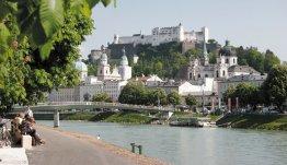Bezoek Salzburg aan de rivier de Salzach