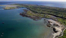 De Aran Islands zijn 3 eilanden die in de monding van de baai van Galway liggen: Inos Mór, Inis Meáin en Inis Oírr.