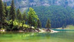 Bergmeer in de Zwitserse Alpen