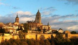 Zaragoza... de op vier na grootste stad van Spanje, gelegen aan de rivier de Ebro