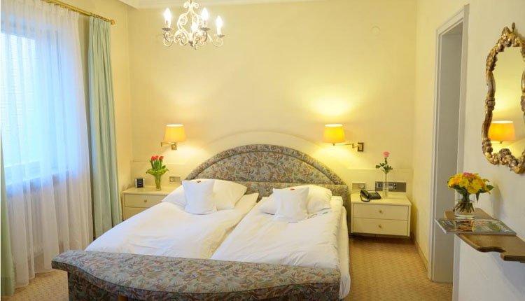 Hotel Luisenbad - 2-persoonskamer met balkon, badkamer