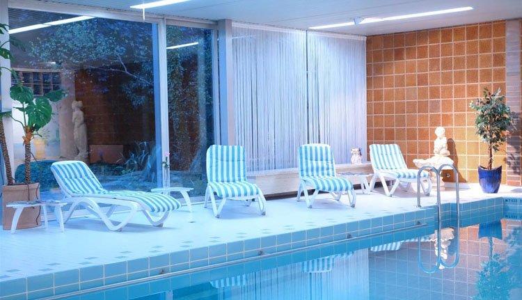 Hotel Luisenbad - zwembad
