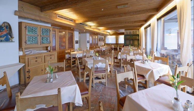 Hotel Alte Post, Oberammergau - Genietn in restaurant Kofel Blick