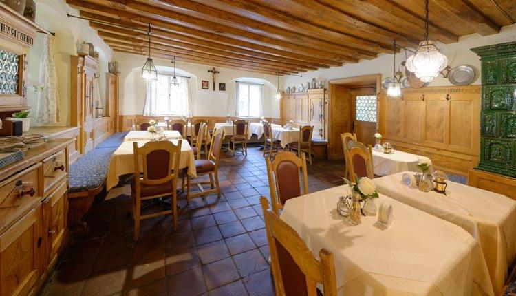 Schuif heerlijk aan bij een van de restaurants van Hotel Alte Post