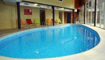 Ontspan in het zwembad van Hotel les Jardins de la Molignee