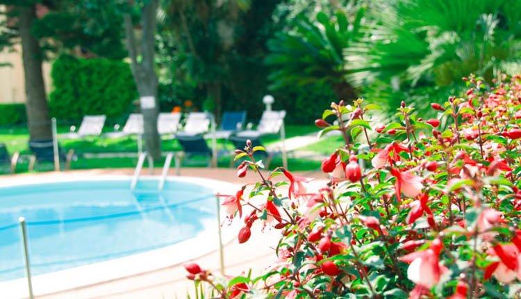 Hotel Garden Lido - prachtige tuin met zwembad