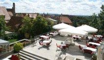 Strijk heerlijk neer op het terras bij Hotel Eisenhut