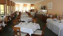 Geniet van een heerlijk ontbijtbuffet in Hotel Goldener Hirsch