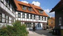 Hotel Goldener Hirsch in een prachtig straatje in Suhl