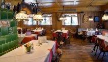 Hotel Schöne Aussicht - schuif heerlijk aan in het restaurant