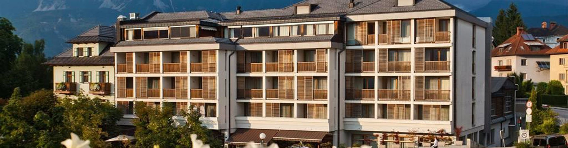 Banner Hotel Lovec, Bled