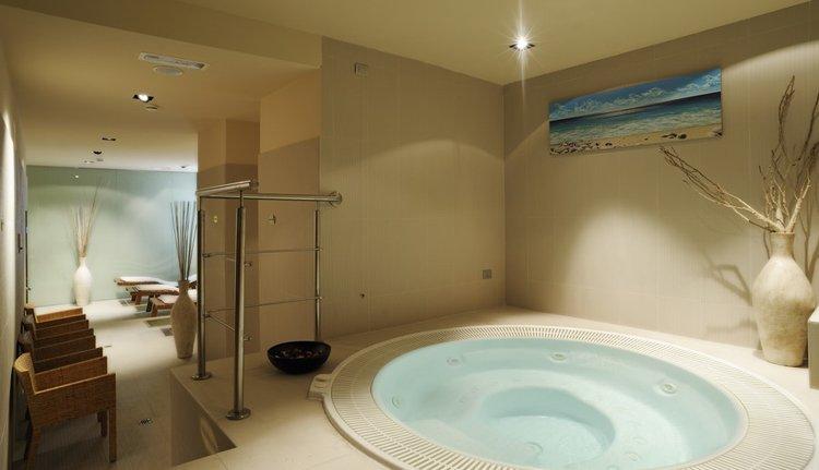 U kunt heerlijk ontspannen in het wellness gedeelte van Hotel Mediterranee