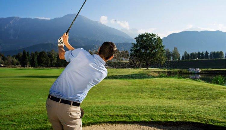 Heerlijk een balletje slaan op de Royal Bled golfbaan