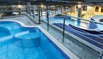 Zwembaden en wellness van Hotel Golf staan tot uw beschikking
