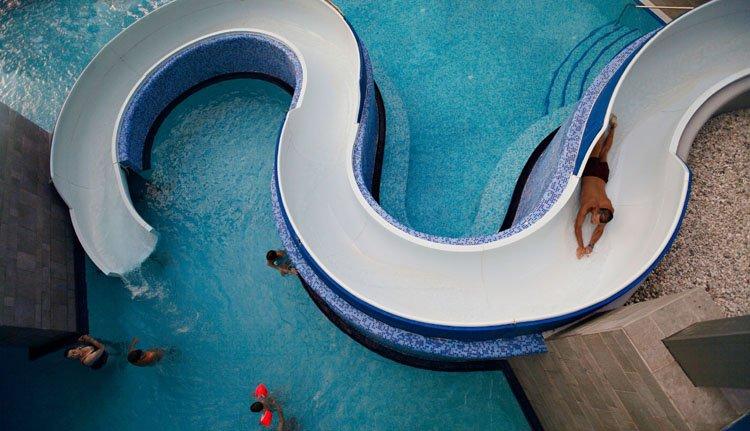 Hotel Golf - buitenbad met glijbaan