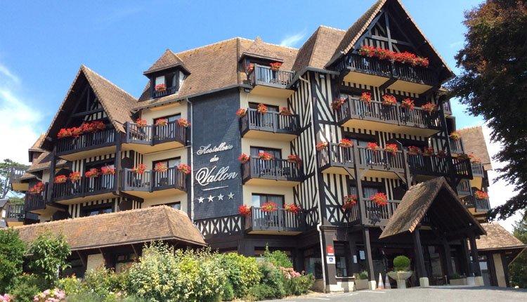 Het karakteristieke gebouw van Best Western Hostellerie du Vallon