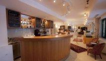 De gezellige bar van Hotel Triglav Bled