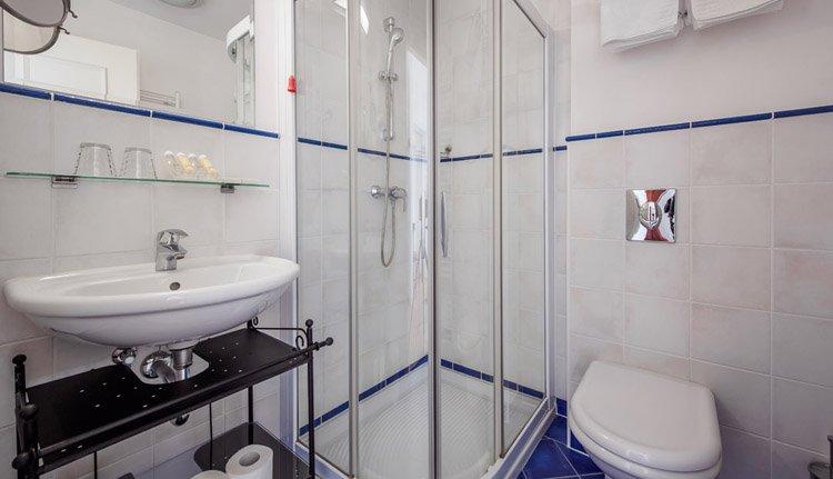 Hotel Triglav Bled -  badkamer
