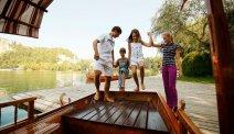 Bootje varen over het meer van Bled bij Hotel Savica