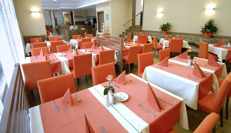 De eetzaal van Hotel Savica
