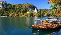 Hotel Kompas - De bootjes liggen klaar voor een mooi tochtje over het meer.