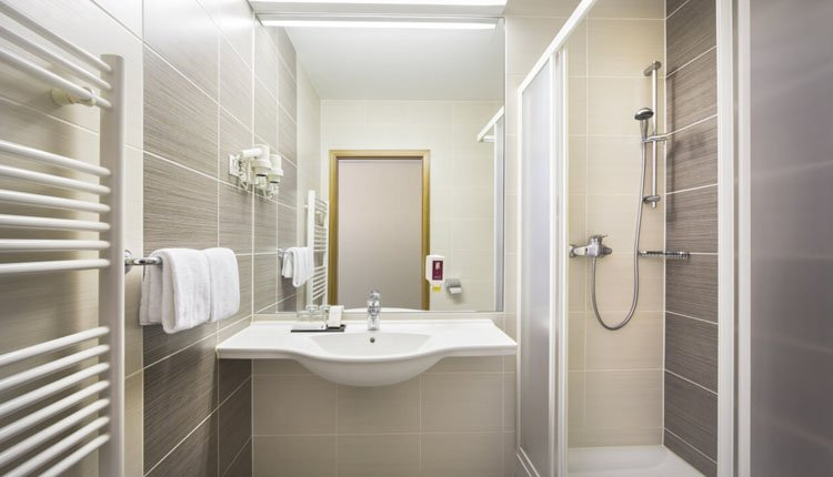 Hotel Lucija - 2-persoonskamer met balkon, badkamer