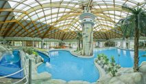 De thermale baden nabij Hotel Grad Mokrice