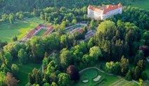 Balletje slaan op de golfbaan van Hotel Grad Mokrice