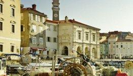 Havenplaatsje Piran aan de Sloveense kust
