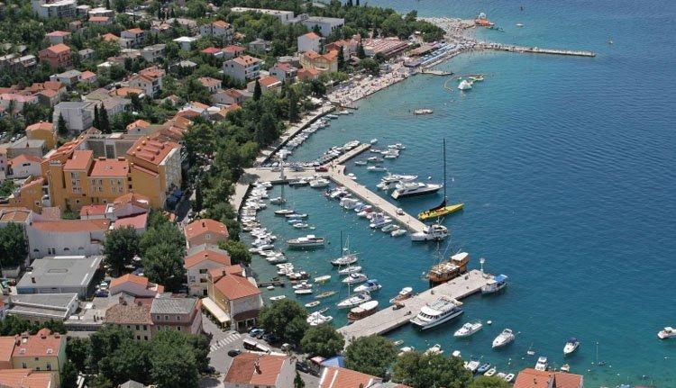 Hotel Selce is prachtig gelegen. Op loopafstand van de haven en boulevard van Selce