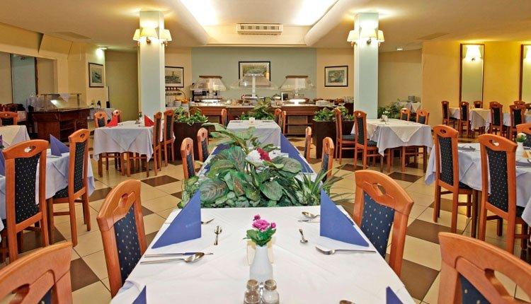 Hotel Selce - eetzaal