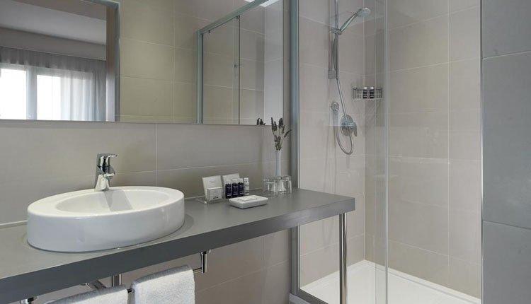 Hotel Park Plaza Belvedere - 2-persoonskamer standaard, badkamer