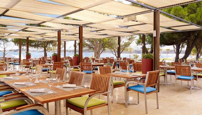 Hotel Park Plaza Belvedere - restaurant met terras