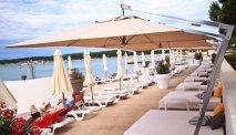Hotel Park Plaza Belvedere ligt direct aan het strand