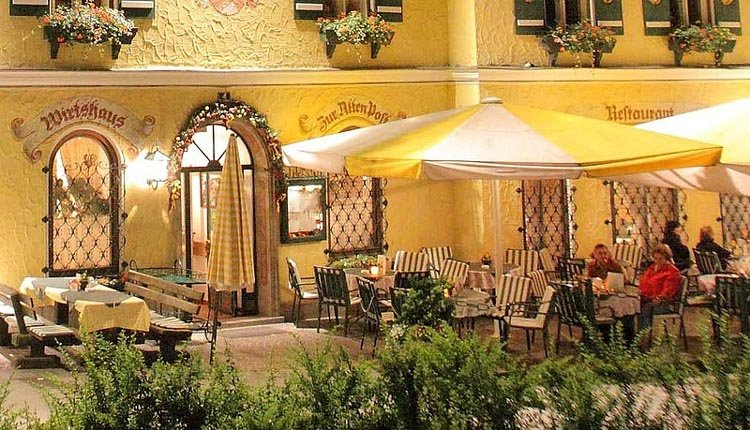 Heerlijk restaurant met terras bij Hotel Alte Post