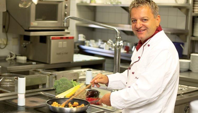 Hotel Alte Post - de chef van het restaurant
