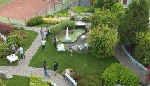 Hotel Miralago - prachtige tuin met tennisbaan