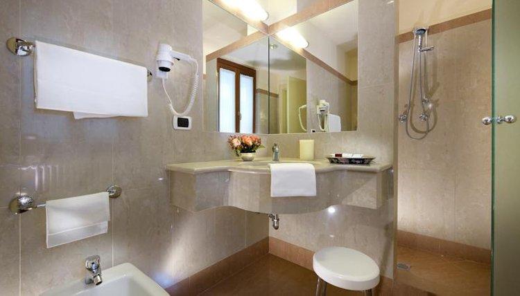 Hotel Parma e Oriente - 2-persoonskamer met badkamer