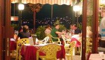 Hotel Milano - heerlijk in de avond op het terras dineren... met uitzicht op het Iseomeer