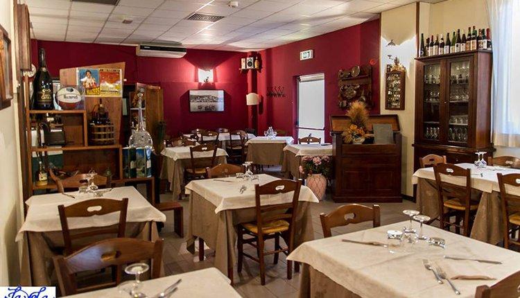 Het gezellig ingerichte restaurant van Hotel La Vela
