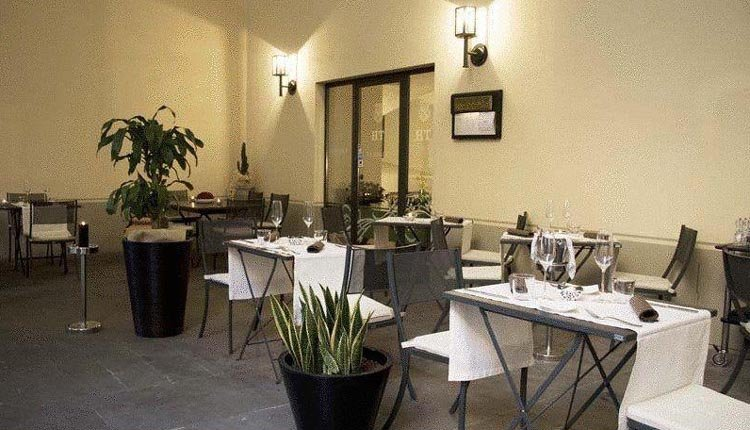 Het terras van Hotel Tiferno