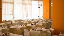 In het gezellige restaurant van Hotel Astor Lido kunt u heerlijk eten