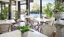 Het terras van Hotel Alexia Palace