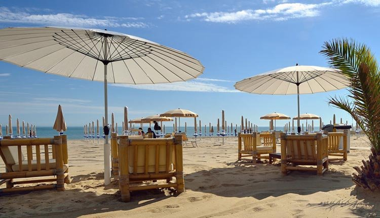 Het strand bij Hotel Il Continental