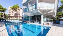 Hotel Sahara heeft een fijn zwembad