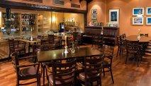 De bar van Leonardo Hotel Wolfsburg