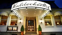De uitnodigende entree van Wellness Hotel Waldecker Hof
