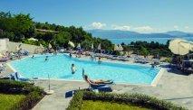 Het schitterend gelegen zwembad van Hotel Belvedere